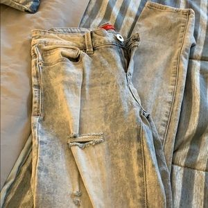 A pair of guess jeans